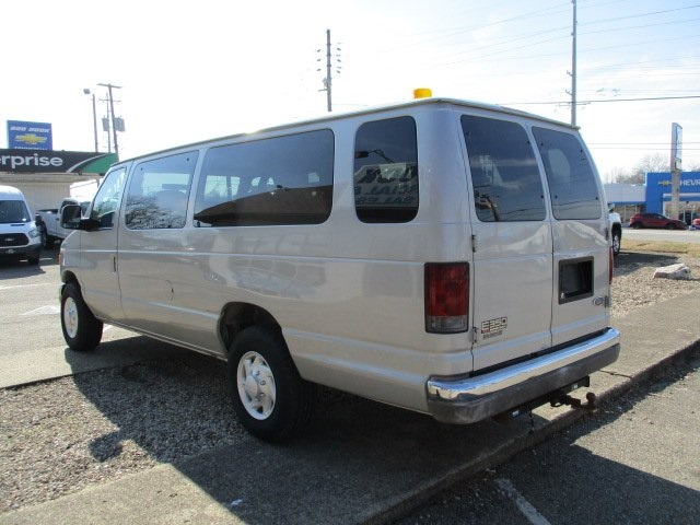 Pre-Owned 2003 Ford E-350SD XLT