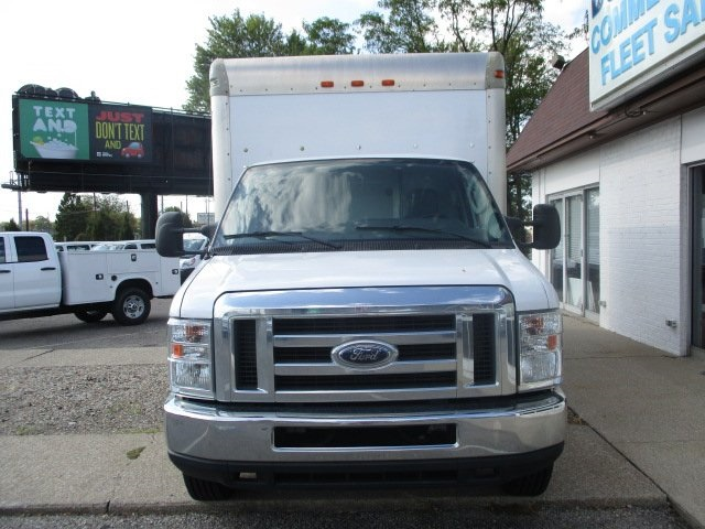 Pre-Owned 2013 Ford E-350SD Base