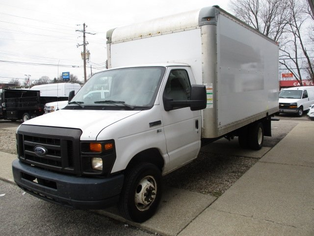 Pre-Owned 2012 Ford E-350SD Base