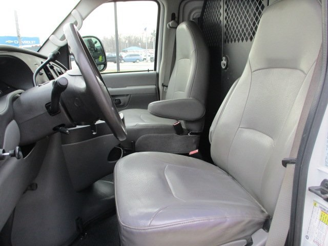 Pre-Owned 2008 Ford E-250 Commercial
